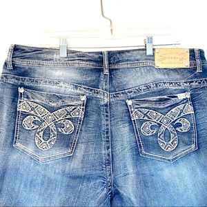 Seven7 Luxe Embellished Jean Capris Size 18